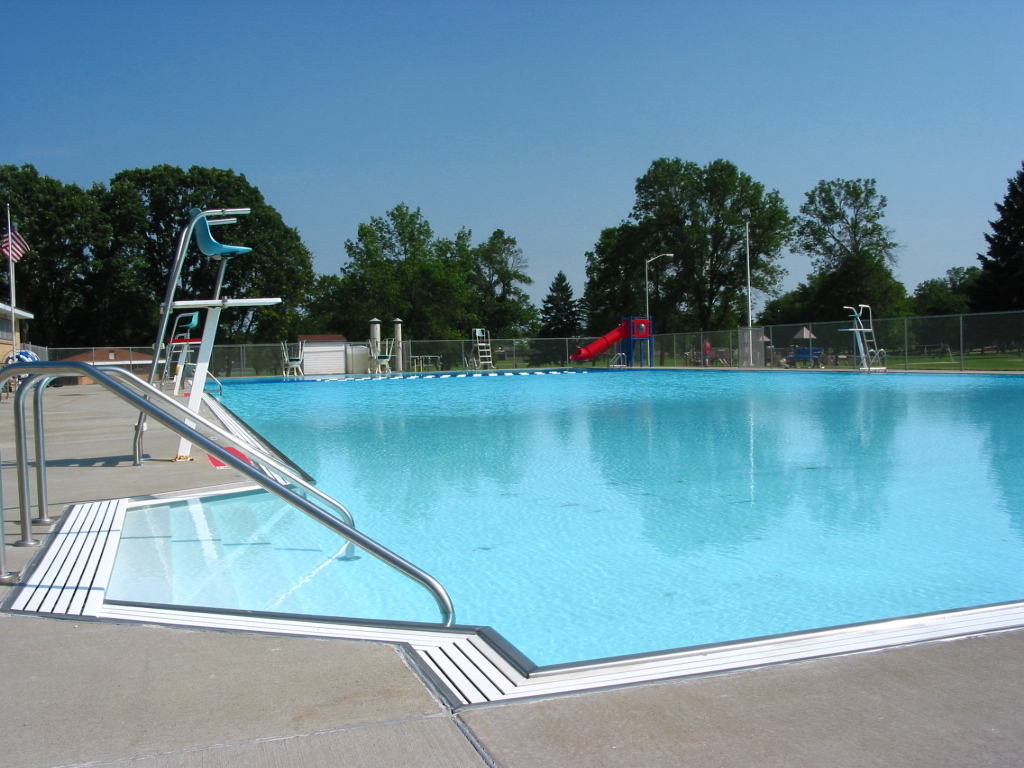 Public Swimming Pools With Diving Boards swimming pool - reedsburg, wisconsin